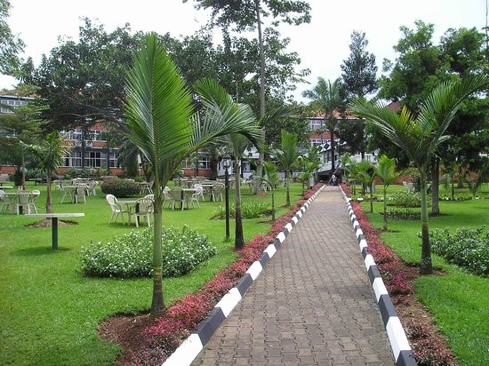 Imperial Botanical Beach Hotel : jardin hôtel