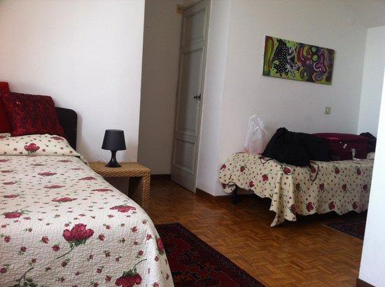 B&B Dei Cavalieri: habitación amplia y luminosa en el bb cavalieri