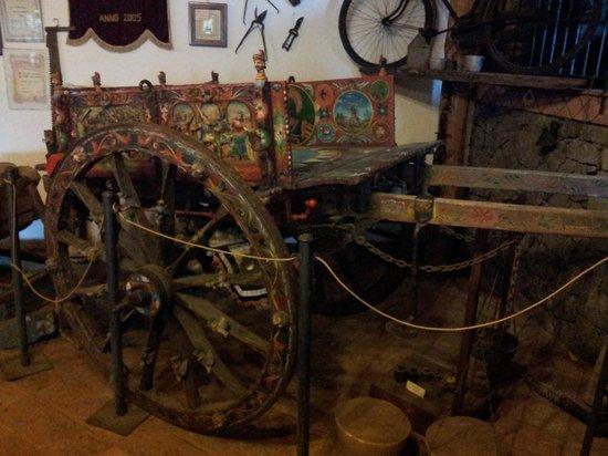 Casa Museo dell'Apicoltore e Vendita di Miele: Il carretto siciliano