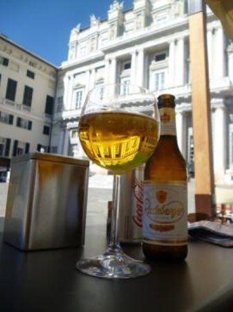 Douce Patisserie Cafe: A cooling beer