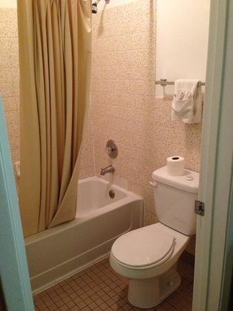 Premier Inn: la partie baignoire et wc