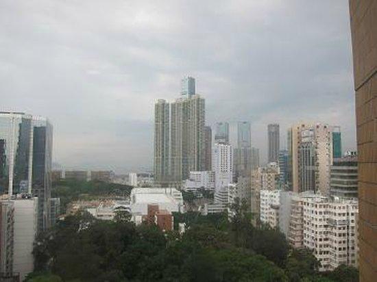 The Bauhinia Hotel - Tsim Sha Tsui: 小窓の眺め
