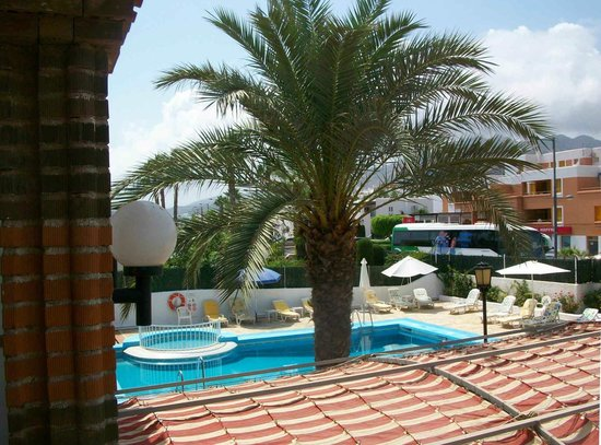Hotel Continental: Vista desde la habitación en la parte frontal
