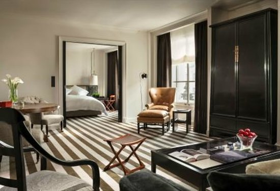 Rosewood London: Premier Suite - Living Room