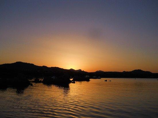 Baia de Bahas - Apartments & Resort : La baia al tramonto
