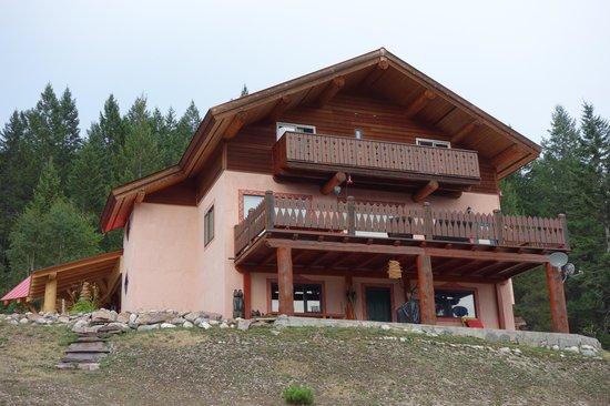 Tschurtschenthaler Lodge B and B : Rear view