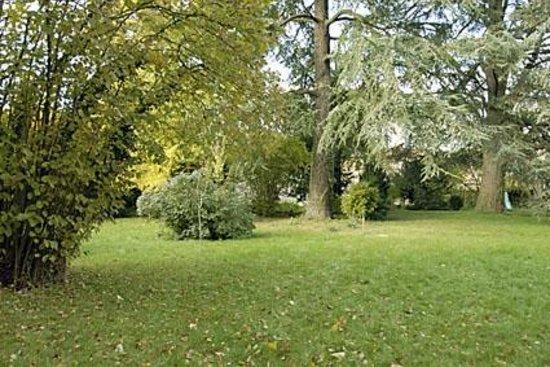 La Maison des Gardes : parc