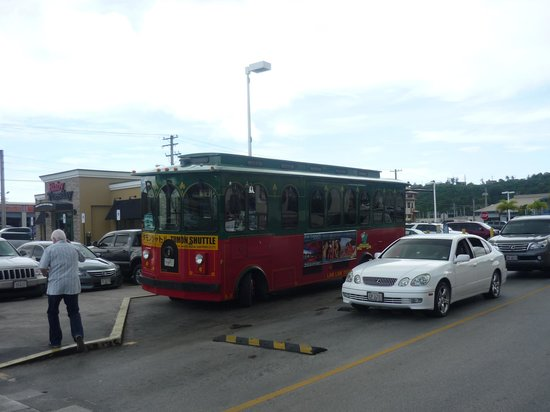 Guam Premier Outlets : Trolley bus stopping outside the centre