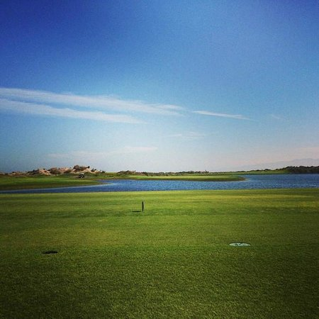 Almouj Golf : Island Hold