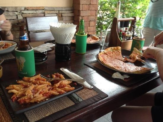 Tropicana : uma pizza honesta e uma massa boa