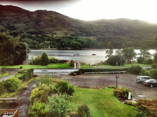 The Achray House Hotel and Lodges: View of Loch Earn from loch view room