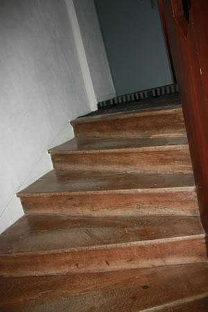 Domaine de Brandois: Tower stairs, access to third floor