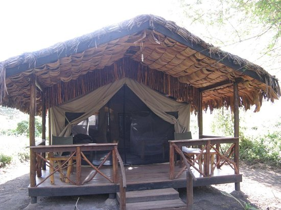 Migunga Tented Camp: Wonderful location and very nice tents - our tent