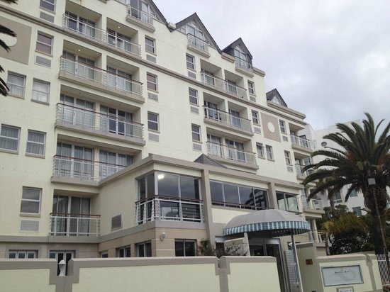 Bantry Bay Suite Hotel: Boutique style, great location!