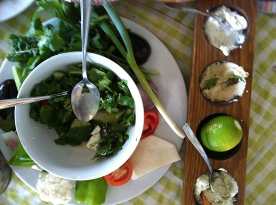 Ttappis Tavern: Salad and dips