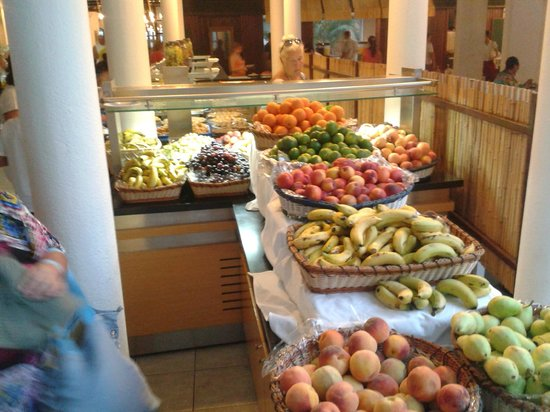 Club Salima: fruit section in restaurant