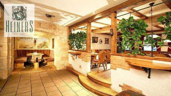 Heiners - Cafe.Restaurant: Eine ruhige Ecke finden