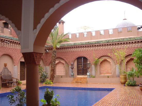 Kasbah Tamadot : Swimming pool I