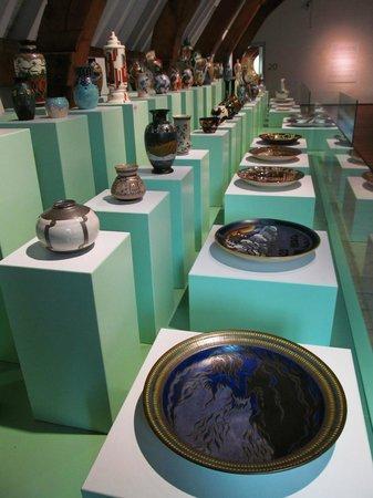 Museum Gouda: display of Gouda Pottery