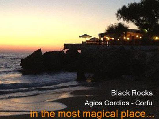 Black Rocks Seaside Restaurant Bar: Black Rocks beach bar-Agios Gordios, Corfu, Greece