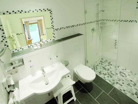 Gasthof Pension Wörndlhof: Badezimmer Comfort-DZ #4
