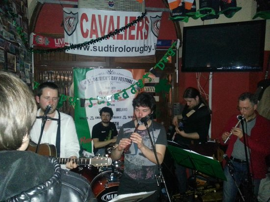 Temple Bar: In from the cold
