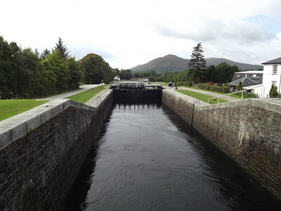 ‪Caledonian Canal‬
