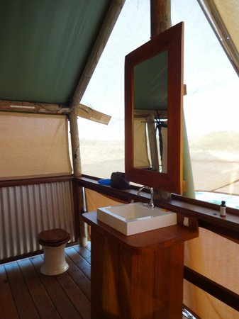 Sal Salis Ningaloo Reef: Bathroom
