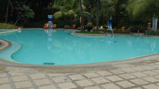 Edsa Shangri-La: nice pool!