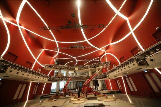 Deutsches Theater Munchen: Endspurt auf der Baustelle - Die Bauarbeiten laufen auch Hochtouren für die Wiedereröffnung 2014