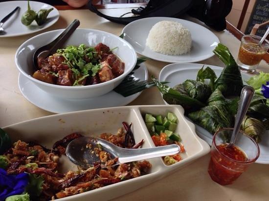 Peang-Prai Restaurant: great authentic Thai food