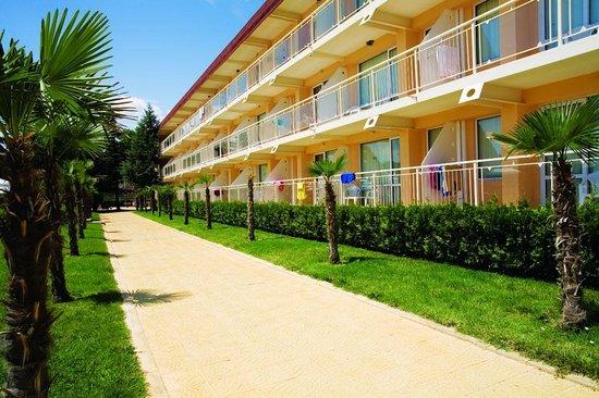 DIT Evrika Beach Club Hotel : Evrika Beach