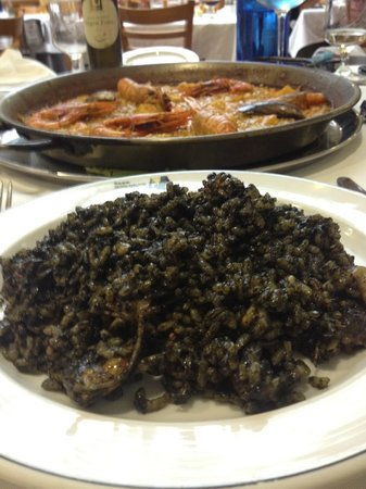 Casa Roberto : Paella nera di pesce