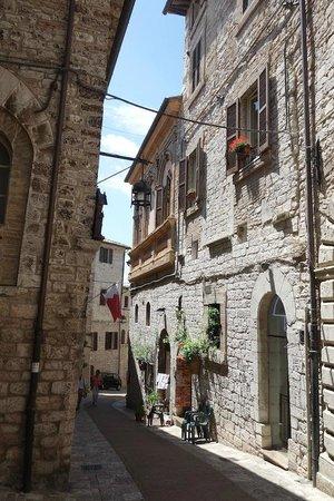 Agriturismo Valle Tamantina : Dans les vieilles rues d'Assise