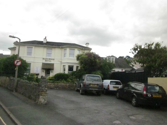 Hazelwood Guesthouse: front view of premises