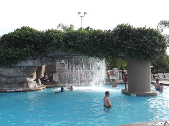 Sheraton Vistana Resort - Lake Buena Vista: Fountain at Cascades pool
