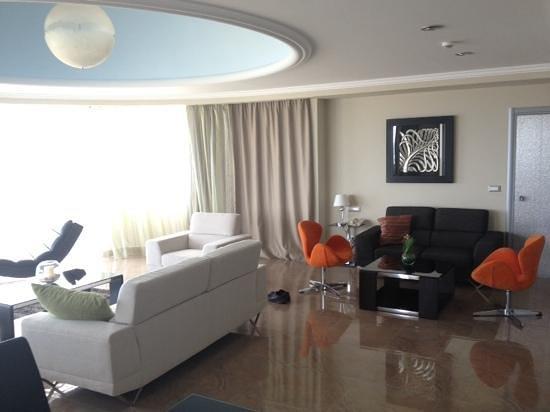 Atrium Platinum Hotel: room 723