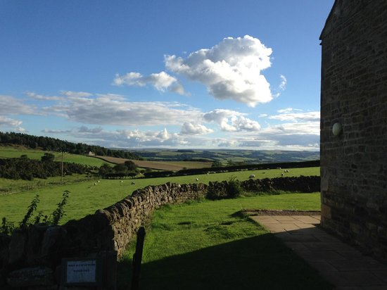 Carr Edge Farmhouse: The view from the garden