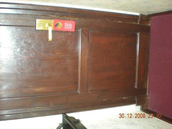 Hotel Palacio de Valderrabanos: puertas viejas