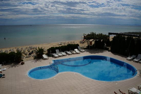 Aphrodite Beach Hotel: pool view from room