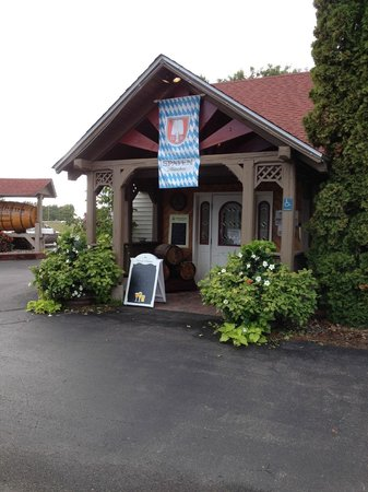 Akeley, MN: Brauhaus German Restaurant