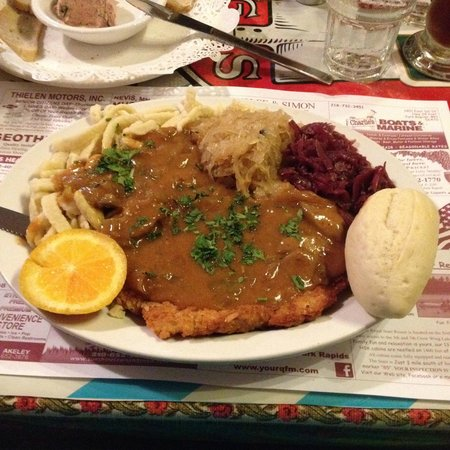 Brauhaus Restaurant & Lounge: Jager Schnitzel