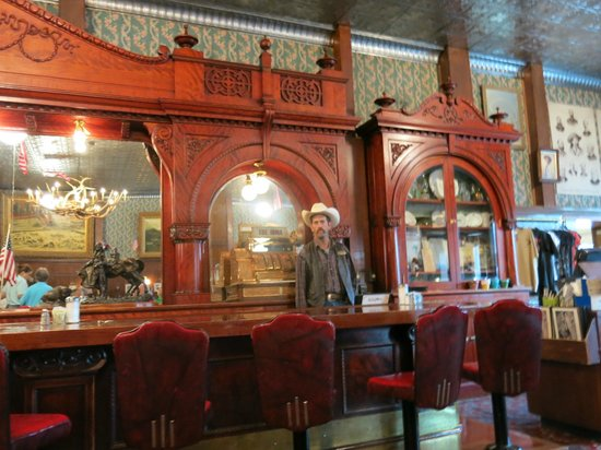 Buffalo Bill's Irma Hotel: Baren som Buffalo Bil fik af Dronning Victoria