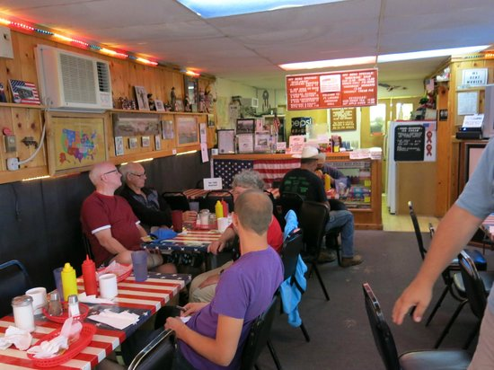 Fort Laramie American Grill & Restaurant: Stemningsbillede inde fra restauranten
