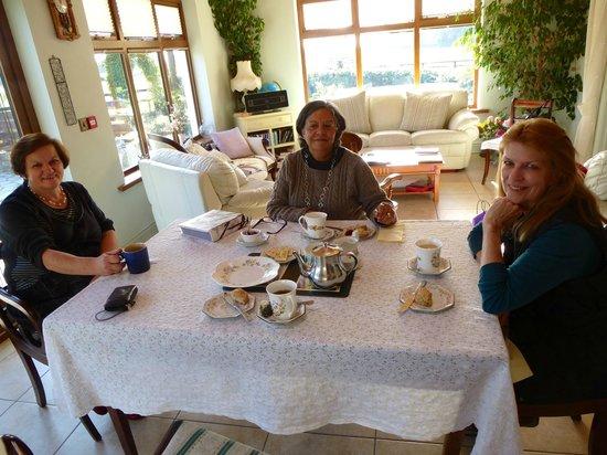 Cahergal Farmhouse: Afternoon tea