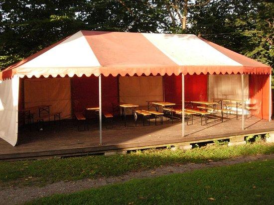 Klubbensborg Vandrarhem: Zona molto suggestiva per mangiare riparati