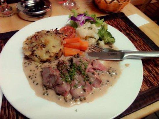 DiDine Restaurant Cha-Am: bBeef Chateubriand with roisti potatoes