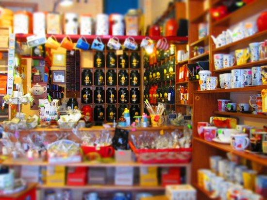 Biblioteq tea shop