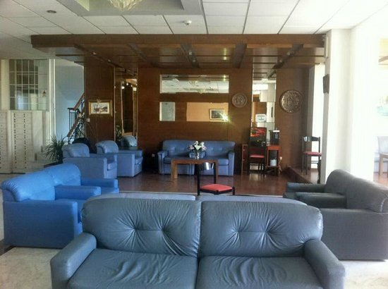 Faliraki Bay Hotel: The lounge