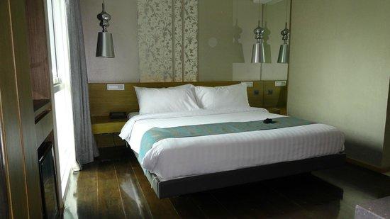 Citrus Sukhumvit 13 by Compass Hospitality: Bed